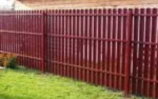 Забор из металличческого евроштакетника, установка своими руками: фото, видео