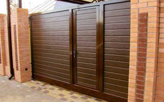 Распашные и откатные ворота с калиткой внутри: как сделать их своими руками