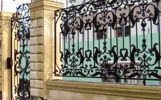 Красивые кованые заборы и ворота: фото, экизы, как сделать их своими руками