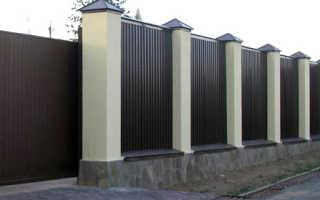 Строительство монолитного забора из бетона, кирпича и поликарбоната своими руками