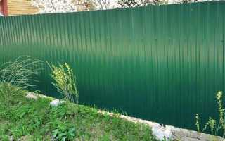 Металлическая зеленая сетка для забора – установка ограждения из ПВХ