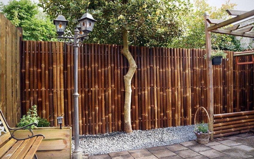 Строим оригинальный забор из бамбука своими руками
