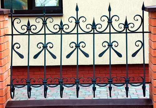 ограда из арматуры