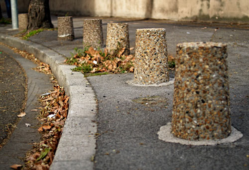 бетонные столбики