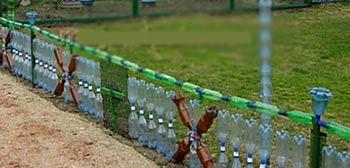 оградка из бутылок