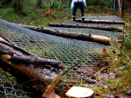 демонтаж столбов из дерева
