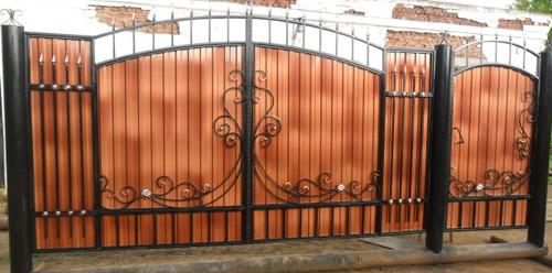 оформление ворот из профнастила