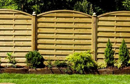 глухой деревянные забор
