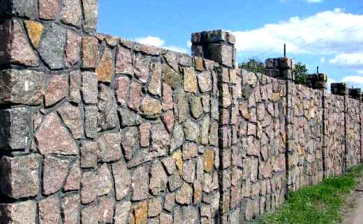 гранитный бут забор