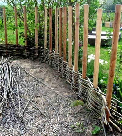 плетение ограды