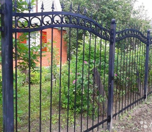 покрашенный забор