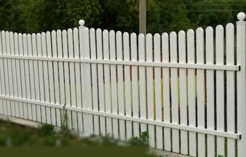 забор пластиковый штакетник