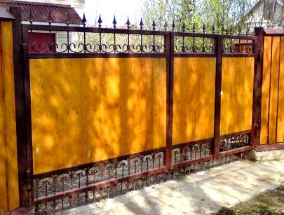 садовые ворота из дерева